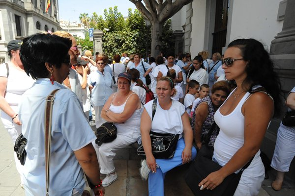 jg manifestacion de trabajadores de mararia frente ayto. de sta. cruz 31-7-2012 (1).JPG