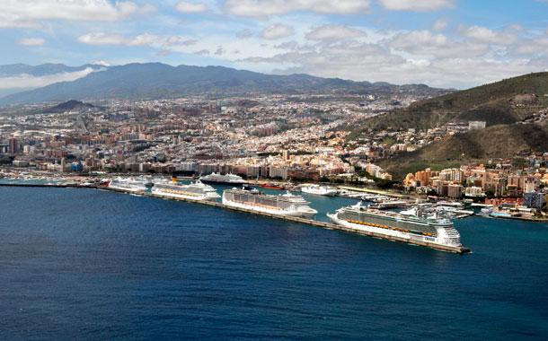 Cruceros en el puerto de Santa Cruz de Tenerife