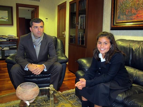 Gema Hernández fue recibida por el alcalde Manuel Domínguez.   DA