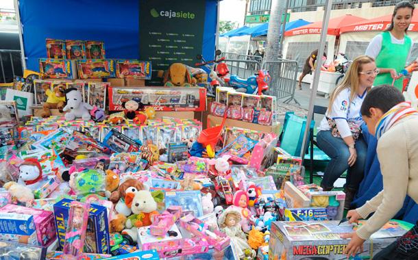 Recogida juguetes 2013 Radio Club Tenerife