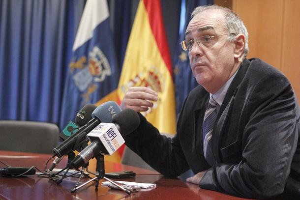 El director general de Tributos del Gobierno canario, Alberto Génova. / EFE