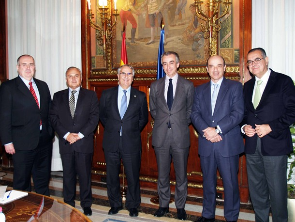 Los representantes de la CEOE-Tenerife y la CCE de Las Palmas se reunieron con el Secretario de Estado o de Hacienda, Miguel Ferré, y el director general de Tributos, Diego Martín.   DA