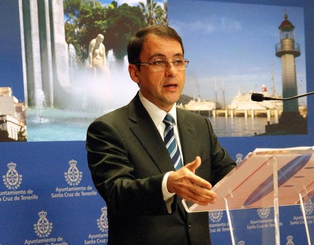 El alcalde de Santa Cruz de Tenerife, José Manuel Bermúdez, ayer durante la rueda de prensa. / DA