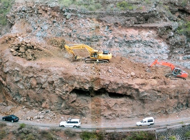 La carretera del Norte lleva varios años con obras, generando problemas a los usuarios. / DA