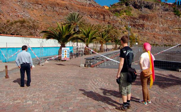 Playa La Cueva cerrada