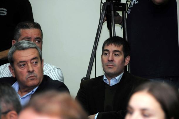 Fernando Clavijo y Aurelio Abreu, entre los asistentes a la moción de censura |  M. P.