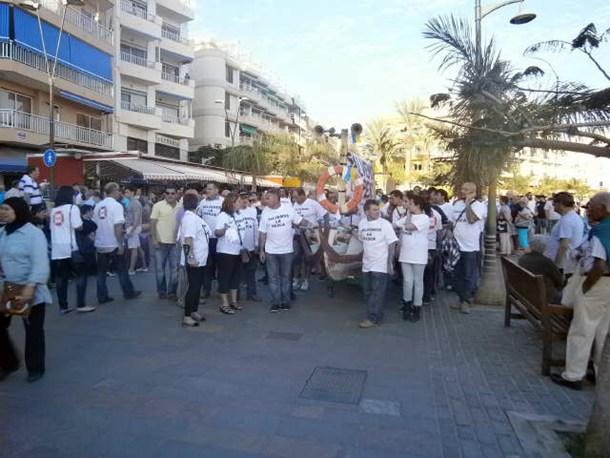 Los pescadores se manifestaron por las calles de Los Cristianos. / J. L. C.