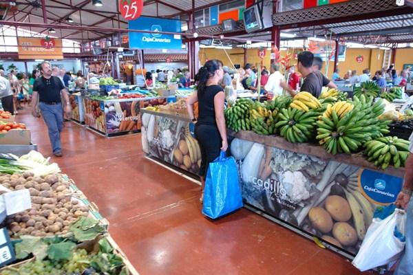 El Mercadillo del Agricultor está situado en el barrio de San Juan, en la carretera de Tacoronte a Tejina. | J. G.