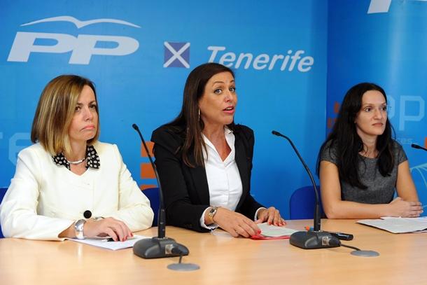 Cristina Tavío (izquierda), ayer en rueda de prensa. /SERGIO MÉNDEZ