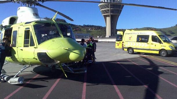 El helicóptero del GES evacuó a la senderista herida hasta Los Rodeos desde donde fue trasladada al HUC. | 1-1-2