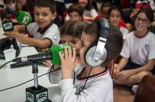 Un alumno del Colegio Hispano Inglés durante el programa Canarias en la Onda. | HISPANO INGLÉS