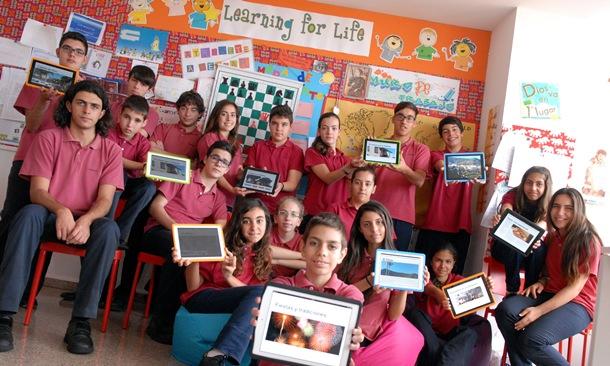 Un grupo de alumnos, liderado por la directora del centro, ideó la herramienta. / MOISÉS PÉREZ