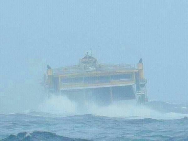 Fred Olseh ha tenido dificultades para operar. Miles de pasajeros se han visto afectados por el temporal.   TWITTER