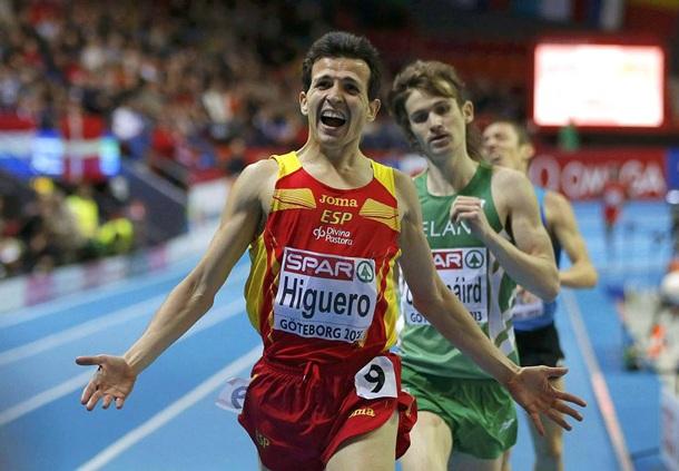 El español, Juan Carlos Higuero, cruza en segunda posición la línea de meta en la final europea de los 3.000. | EFE