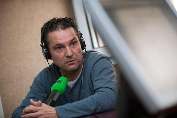 El entrenador analizó las semifinales del torneo federativo en los estudios de Teide Radio. | FRAN PALLERO