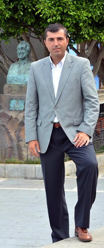 Manuel Domínguez.   M.P.