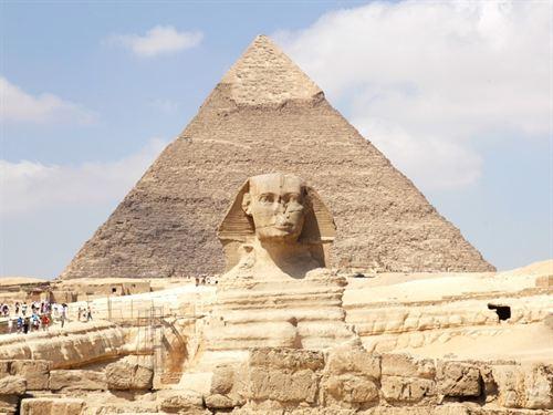 El Gobierno quiere alquilar las pirámides para ganar dinero.