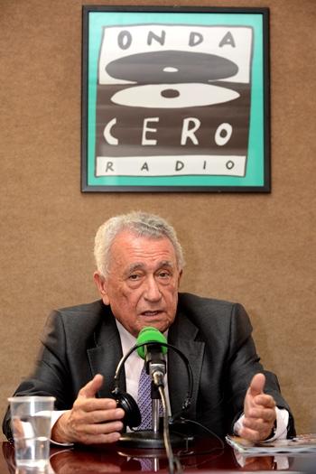 Pedro Luis Cobiella durante su entrevista en Teide Radio Onda Cero. / SERGIO MÉNDEZ