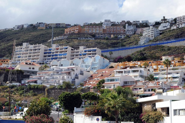 Tabaiba, Alta y Baja, es uno de los barrios más habitados del municipio de El Rosario y una urbanización aún inacabada. / SERGIO MÉNDEZ