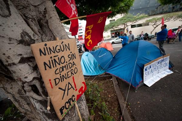 Imagen de la acampada ante Presidencia del Gobierno. | SERGIO MÉNDEZ