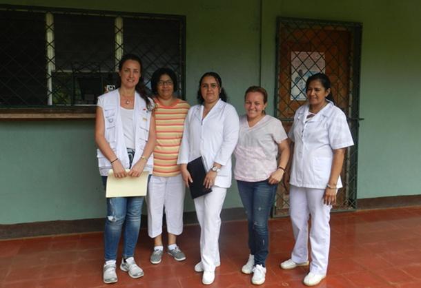 María del Pilar Martínez (izquierda), junto a otras enfermeras del hospital Jacinto Hernández de Chontales. / DA