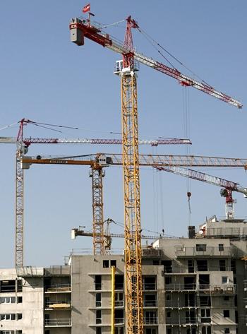 edificio viviendas en construcción