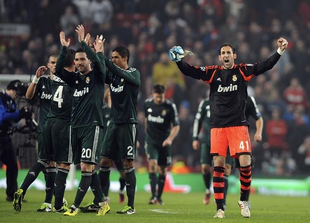 Los jugadores del Real Madrid celebran la victoria ante el Manchester United. | EFE