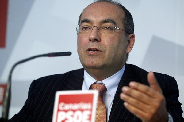 Julio Cruz, secretario de Organización del PSOE de Canarias. | EFE