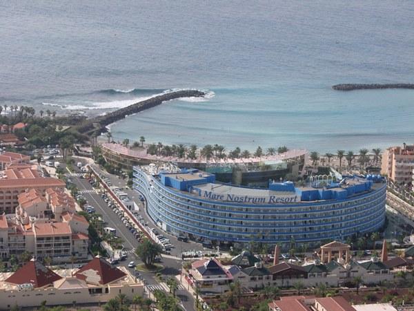 El recinto abrió sus puertas en marzo de 1988, en primera línea de playa. | DA