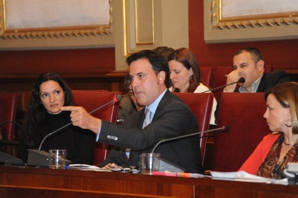 El Partido Popular, que convocó el pleno, contó sólo con cinco de sus ediles ante la imposibilidad del resto de acudir a la sesión de ayer. | J. G.
