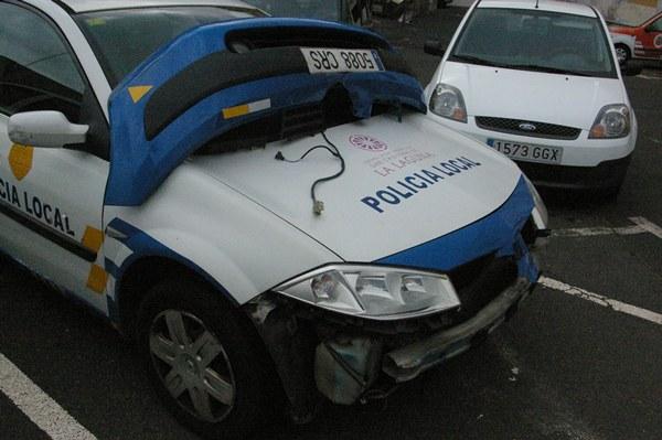 Así quedó el coche patrulla implicado. | DA