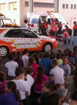Las charlas se desarrollan en los colegios de Infantil y Primaria.   DA