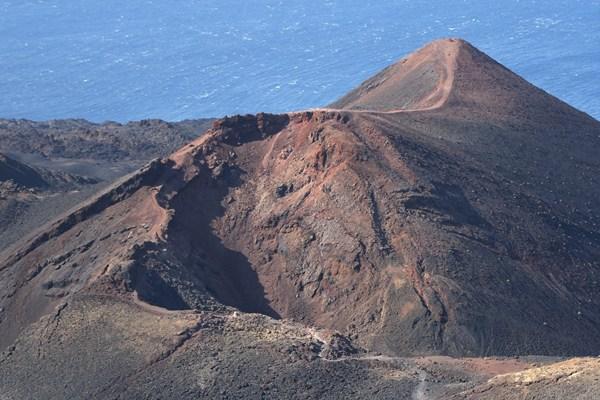 El volcán Teneguía está en suelo privado y el Ayuntamiento comprará una parte para protegerlo. | DA