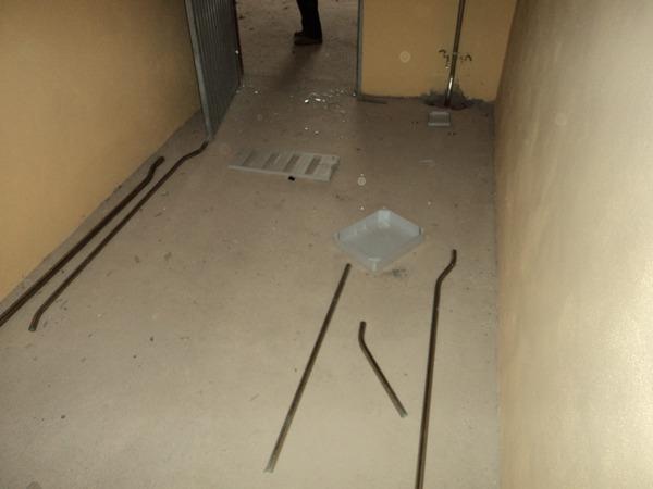 Estado de una parte de la instalación donde presumiblemente se ubicarán los animales.   DA