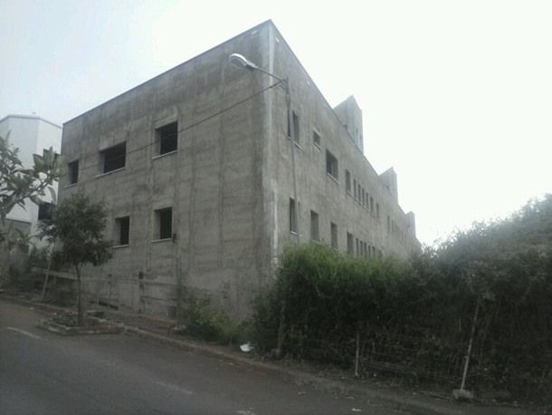 Estado de una parte del inmueble, diana de las críticas del edil de Por Tenerife. / DA