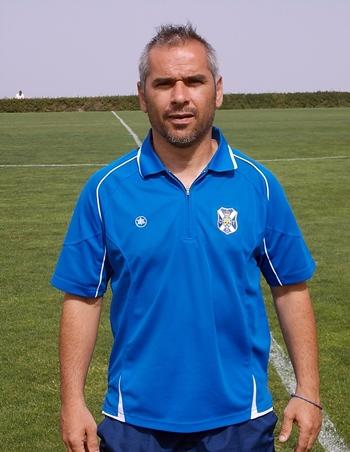 Cristo ejerce como segundo entrenador del Tenerife B. / PÉDRO PÉREZ