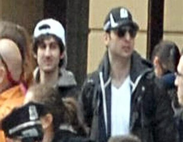 Imagen de los dos sospechosos de ser los autores del atentado de Boston. FBI