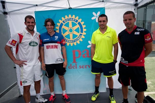 Juan Martín Díaz, Chico Gomes, Fernando Belasteguín y Aday Santana,  antes de la exhibición. / FRAN PALLERO