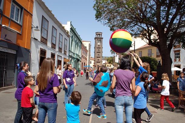 La Plaza de la Concepción acogió la celebración del Día de la Tierra. | DA