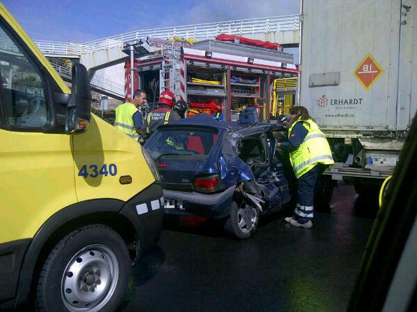 Una imagen del aparatoso accidente ocurrido en la Autopista TF-5. | CECOES