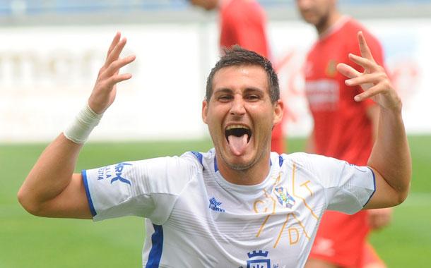 Rigo marcó el segundo gol, tras la ejecución de un córner. / SERGIO MÉNDEZ