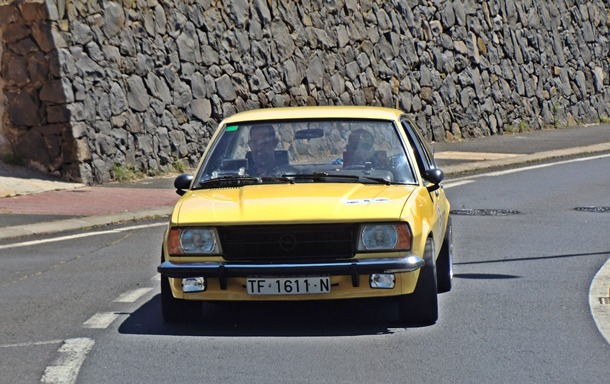 Mora y Febles se alzaron con el triunfo en Tegueste con su Opel Ascona.   MOTORCHICHARRERO