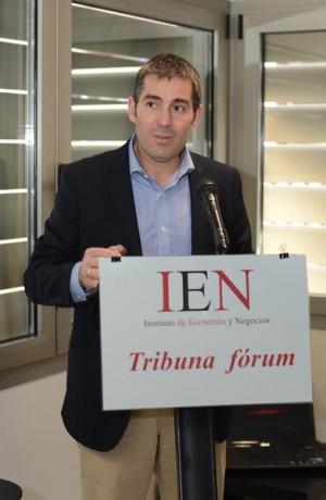 Fernando Clavijo,  durante su conferencia de ayer. | SERGIO MÉNDEZ