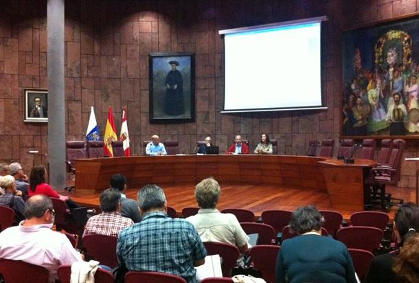 Jornadas sobre gestión de residuos organizadas por el Cabildo. / DA