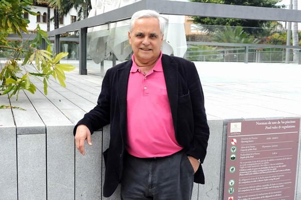 Juan cruz escritor y periodista tinerfeño