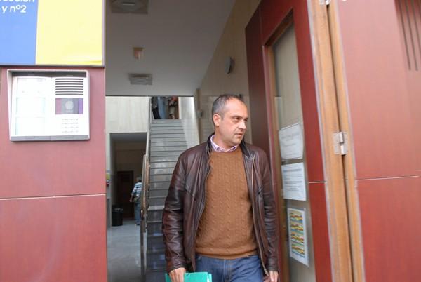 El concejal Luis Miguel Rodríguez (PP) se negó a hacer declaraciones al salir de los juzgados. | MOISÉS PÉREZ
