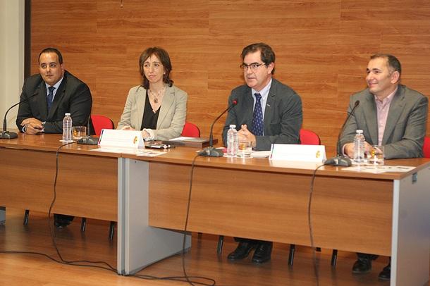Afonso, Díaz, Niño y Hernández presentaron el nuevo servicio municipal para personas sordas. | DA