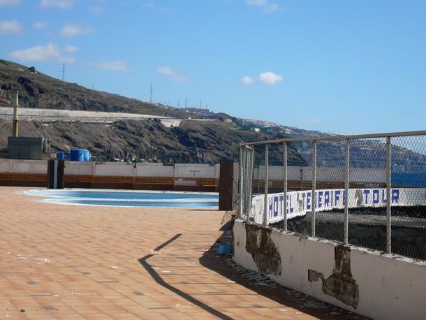 Las piscinas del Tenerife Tour llevan más de un año cerradas. / NORCHI