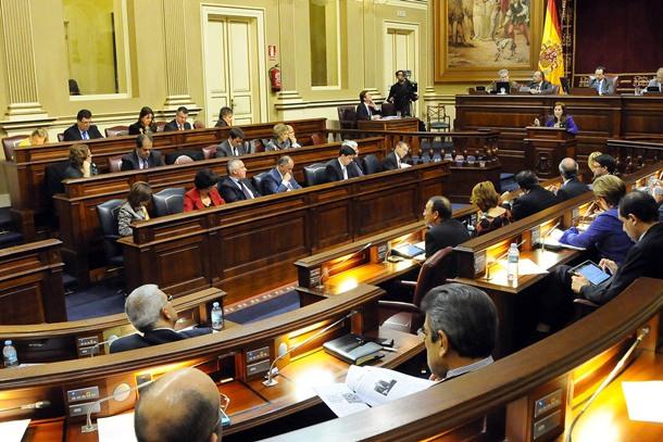 Sesión del Parlamento de Canarias. / DA