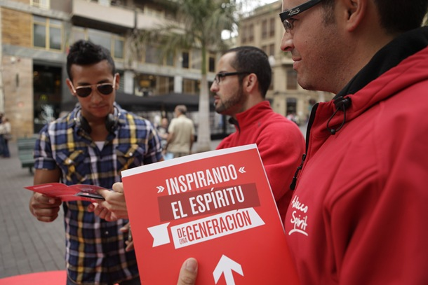 Trabajadores de Adecco en la Plaza de la Candelaria de Santa Cruz de Tenerife. | O.M.